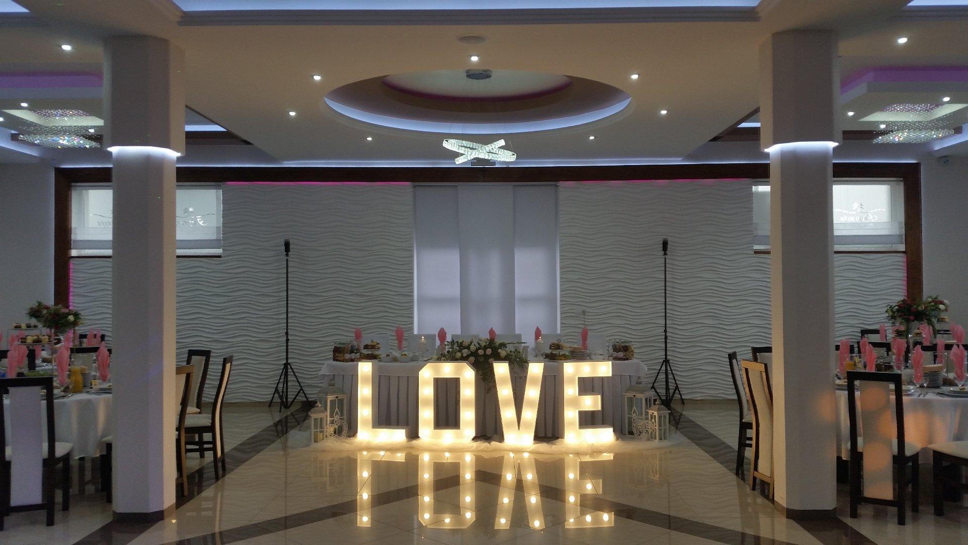 LOVE - NAPIS - WYPOŻYCZALNIA